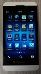 WhiteBlackBerryZ103_thumb